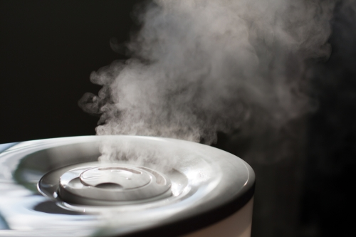 Humidified emitting steam