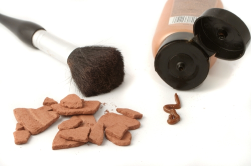 beauty brushes and self tanning bronzer