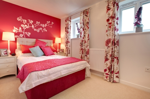 A beautiful bedroom inspired by the red color.