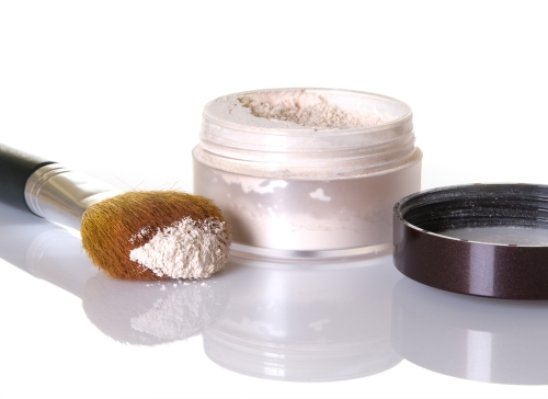 Translucent Loose Powder for covering sunburns.