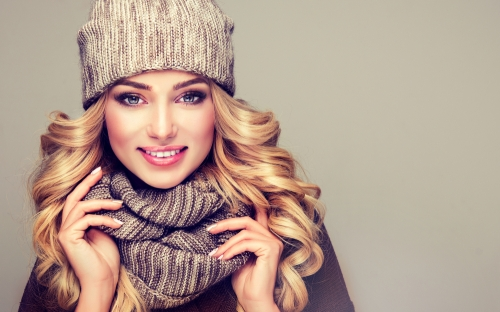 Woman winter scarf