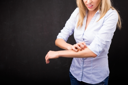 Vine Vera itching hand