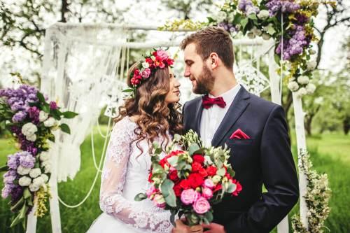 vine vera banner presents Planning An Intimate Wedding